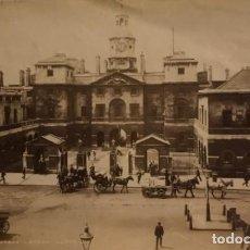 Fotografía antigua: GUARDIA DE CABALLOS. LONDRES. INGLATERRA. HORSE QUARDS. LONDON. ENGLAND. 20,5X13,5 CM. Lote 149302114