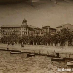 Paseo de los Mártires y casa de Alberola. Alicante 22,8x16,4 cm