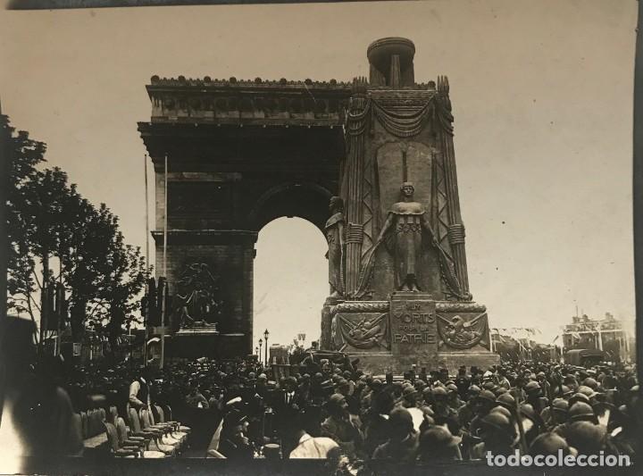 LE MONUMENT EN L'HIMEUR DES MORTS POUR LE PATRIE 11,8X8,8 CM (Fotografía - Artística)