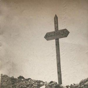 Pas de Calais. Tombe d'un soldat français. Fotografía 12,9x17,8 cm