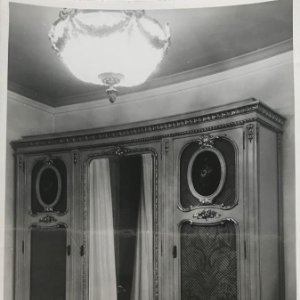 Mueble antiguo 12x18,2 cm