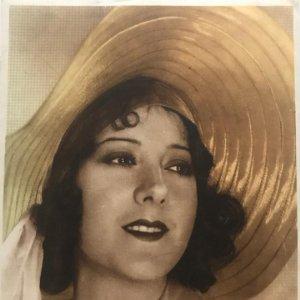 Foto mujer época 17,2x22,2 cm