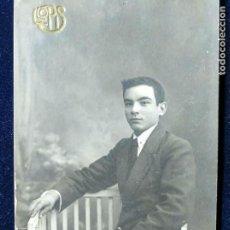 Fotografía antigua: FOTOGRAFÍA ESTUDIO LLOPIS - VALENCIA - JOVEN MUCHACHO FECHADA 1917. Lote 152060798