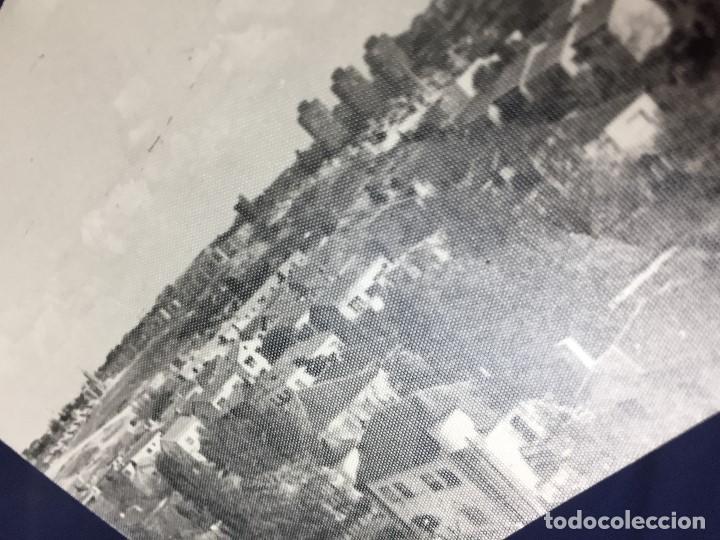 Fotografía antigua: antigua fotografía en blanco y negro crecimiento urbano de la ciudad edificios casas familiares - Foto 2 - 153753774