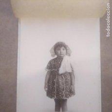 Photographie ancienne: FOTO ANTIGUA NIÑA 1927 RAZQUIN BILBAO. Lote 156596970