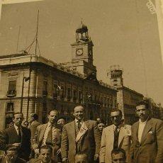 Alte Fotografie - valencia club de futbol copa del generalisimo / copa del rey 1952 aficionados puerta sol foto calvo - 156634862