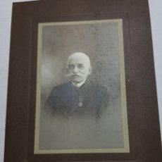 Fotografía antigua: FOTOGRAFÍA MILITAR CONDECORADO FINALES 1800. Lote 156683321
