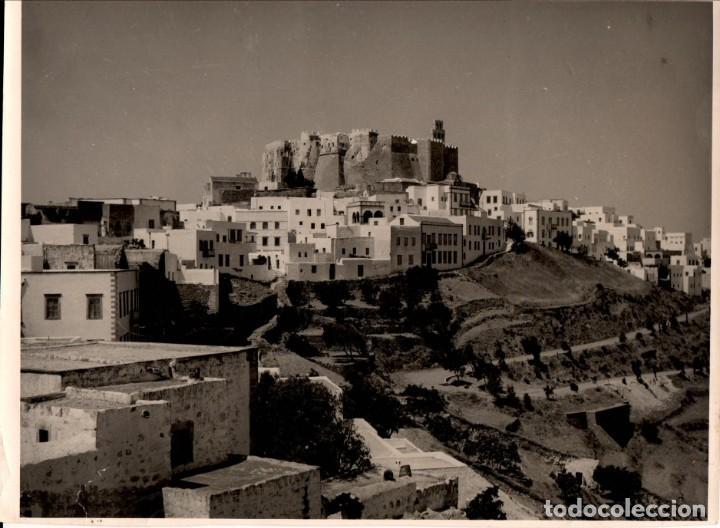 Fotografía antigua: TRES FOTOGRAFÍAS 24X18 CM. DE PATMOS (GRECIA) - AÑOS 1950 - Foto 3 - 156815850