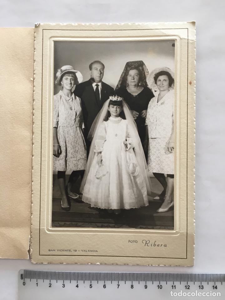 FOTO. NIÑA 1ª COMUNIÓN Y FAMILIA. FOTO RIBERA. VALENCIA. H. 1960. (Fotografía - Artística)