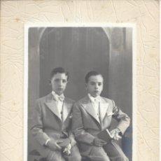 Fotografía antigua: FOTOGRAFIA COMUNION 2NIÑOS. Lote 156896314
