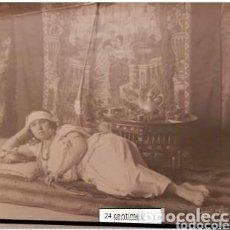 Fotografía antigua: MUJER ESPAÑOLA JOVEN POSANDO, GUERRA DE MARRUECOS 1920. Lote 156987678
