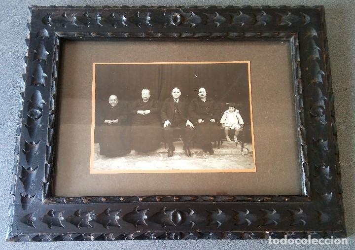 FOTOGRAFÍA MUJERES HOMBRE Y NIÑA DE PUEBLO 1931 ENMARCADA (Fotografía - Artística)