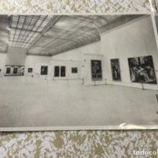 Fotografía antigua: 3 FOTOGRAFIAS ORIGINALES DEL INTERIOR DEL MUSEO DEL PRADO. Lote 158580190