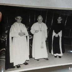 Fotografía antigua: FOTOGRAFÍA ORIGINAL DEL PAPA JUAN XXIII Y OTROS , PAPEL FOTOGRÁFICO FOTOGRAFÍA FELICI DE ROMA. Lote 158655214