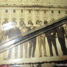 Fotografía antigua: MANDO DE FALANGE ACADEMIA NACIONAL ONESIMO REDONDO ALUNMOS STMO CRISTO MADRID AUTOGRAFOS. Lote 159006466