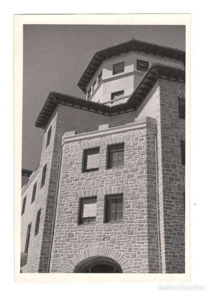 FOTOGRAFÍA ORIGINAL: DETALLE DEL HOTEL CARLOS V, FUENTERRABÍA (GUIPÚZCOA) 16'5X10 (Fotografía - Artística)