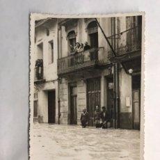 Fotografía antigua: ALGEMESÍ (VALENCIA) FOTOGRAFÍA ORIGINAL. UNA DE SUS CALLES. RIADA DEL 1957. REPORTAJE NACHER. Lote 161845349