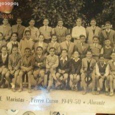 Fotografía antigua: PRECIOSA FOTO ANTIGUA TAMAÑO POSTAL MARISTAS ALICANTE 1949 1950 3 º CURSO . Lote 162447302