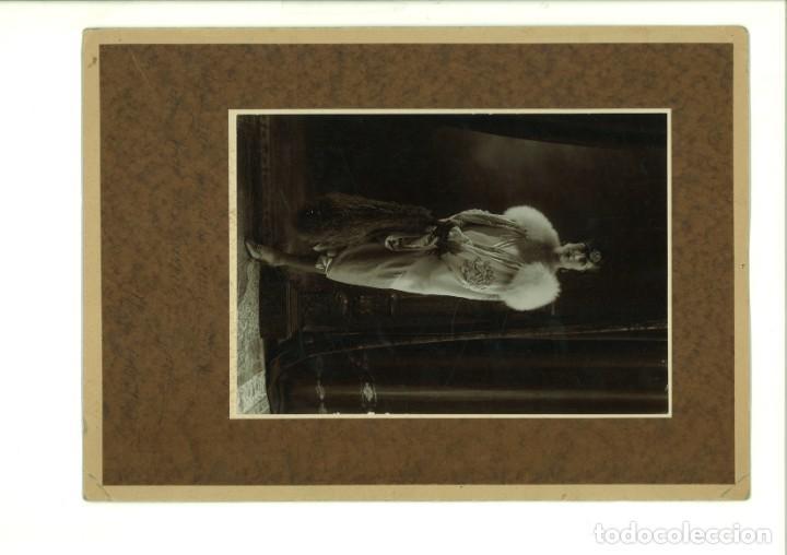 SEÑORITA POSANDO EN ESTUDIO. ALCOY,1927, (Fotografía - Artística)