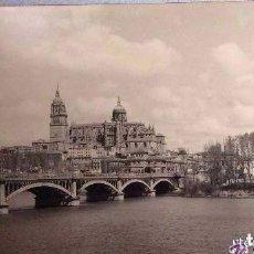 Fotografía antigua: CATEDRAL DE SALAMANCA CON EL TORMES ,FOTO FIRMADA ANGEL ,DE GRAN FORMATO 100X50 CM,AÑOS 70 . Lote 164614874