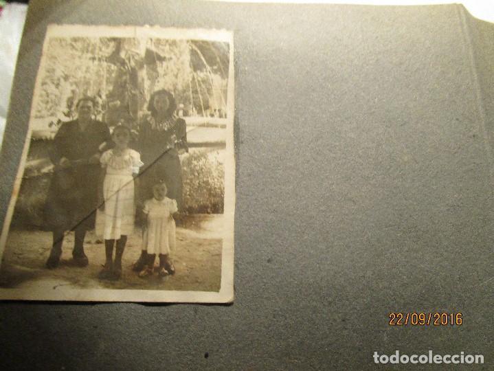 Fotografía antigua: ANTIGUO ALBUM FOTOS ALICANTE Y ELDA 49 FOTOGRAFIAS EN FIESTAS PLAYA ATRACCION ETC - Foto 13 - 164636546