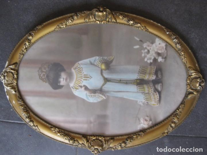 Fotografía antigua: preciosa fotografia iluminada s. carreras Mataro año 1930 . niña 53/38 cm marco ovalado dorado foto - Foto 2 - 166025682
