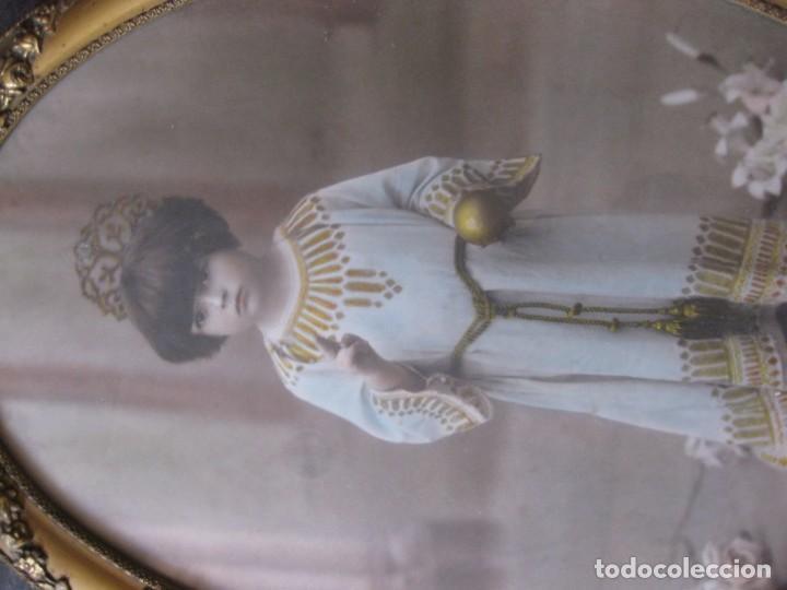 Fotografía antigua: preciosa fotografia iluminada s. carreras Mataro año 1930 . niña 53/38 cm marco ovalado dorado foto - Foto 3 - 166025682