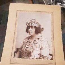 Fotografía antigua: ANTIGUA GRAN FOTOGRAFIA DISFRAZ EGIPCIA CELEDONIO MADRID AÑOS 50. Lote 168255164