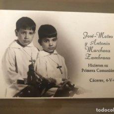 Fotografía antigua: ANTIGUA FOTOGRAFÍA RECORDATORIO COMUNIÓN CACERES 1967. Lote 168341852