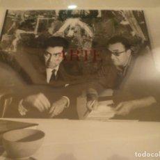 Fotografía antigua: FOTOGRAFÍA. ANTONI TÀPIES. JOAN BROSSA. SALA GASPAR. BARCELONA. 1967. Lote 169285424