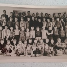Fotografía antigua: FOTOGRAFÍA FOTO DE GRUPO DE ESCOLARES, ALEMANES 22 DE JULIO DE 1956.. Lote 169445956