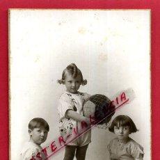Fotografía antigua: FOTO FOTOGRAFIA , POSTAL , NIÑOS CON JUGUETES , GARCIA VALENCIA , ORIGINAL , F4 - 34. Lote 169681276