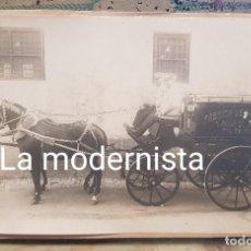 Fotografía antigua: ANTIGUA FOTOGRAFIA CARRUAJE COCHE DE CABALLOS PUBLICIDAD GASEOSAS Y AGUA DE SELTZ. Lote 170119224