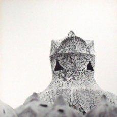 Fotografía antigua: LEOPOLDO POMÉS. FOTOGRAFÍA LA PEDRERA. GAUDÍ. SELLO SECO GALERÍA RENÉ METRAS. NUMERADA 32/200. 1967.. Lote 172269709