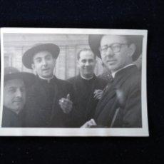 Fotografía antigua: ANTIGUA FOTOGRAFÍA CLÉRIGOS CURAS ESPAÑOLES EN ROMA . Lote 172625997