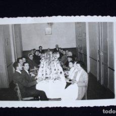 Fotografía antigua: FOTOGRAFÍA GRAN MESA BANQUETE VALENCIA FOTO GIL . Lote 173453028