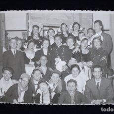 Fotografía antigua: FOTOGRAFÍA VALENCIA FALLAS 1956 DISFRACES FOTO ENGUIDANOS . Lote 173453374