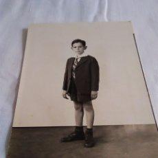 Fotografía antigua: 81-FOTO DE ESTUDIO NIÑO AÑOS 40. Lote 173605524