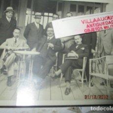 Fotografía antigua: TERRAZA DEL BALNEARIO DIANA 1933 PLAYA ALICANTE FOTO TARJETA POSTAL CELEBRIDADES Y MILITARES . Lote 174487174