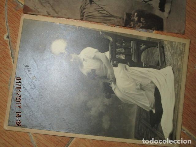 Fotografía antigua: LOTE JUEGOS FLORALES VALENCIA 1915 DAMA CON MEDALLA DE LAS FIESTAS Y COLEGIO NIÑAS - Foto 2 - 174549987