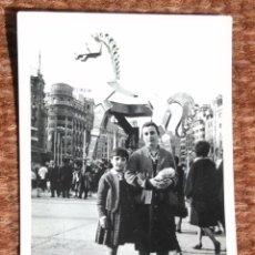 Fotografía antigua: VALENCIA - FALLA VALENCIANA - FALLA PLAZA DEL CAUDILLO 1963. Lote 175906544