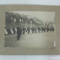 Fotografía antigua: ANTIGUA FOTOGRAFÍA - JOCS FLORALS DE BARCELONA - PARTICIPAN BANYOLES AMB EL CONTRAPÀS - PARC GÜELL. Lote 176528439