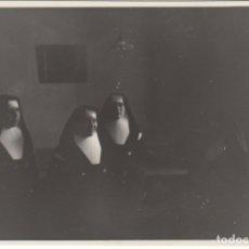 Fotografía antigua: FOTOGRAFIA - FOTO DE UNAS MONJAS MADRE DOROTEA. Lote 177609935