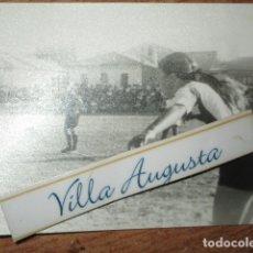 Fotografía antigua: FUTBOL HERCULES DE ALICANTE FEMENINO CAMPEONAS DE LA COPA. Lote 177719698