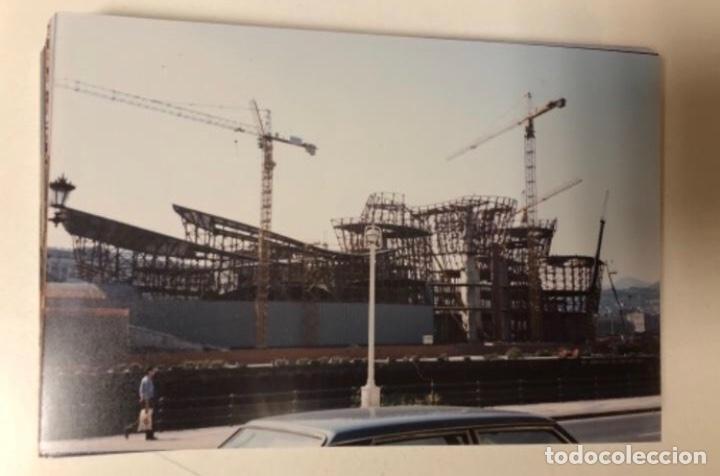 Fotografía antigua: 42 FOTOGRAFÍAS A COLOR DE LA CONSTRUCCIÓN DEL MUSEO GUGGENHEIM BILBAO. 10,50 x 15,50 cms. - Foto 10 - 177848108