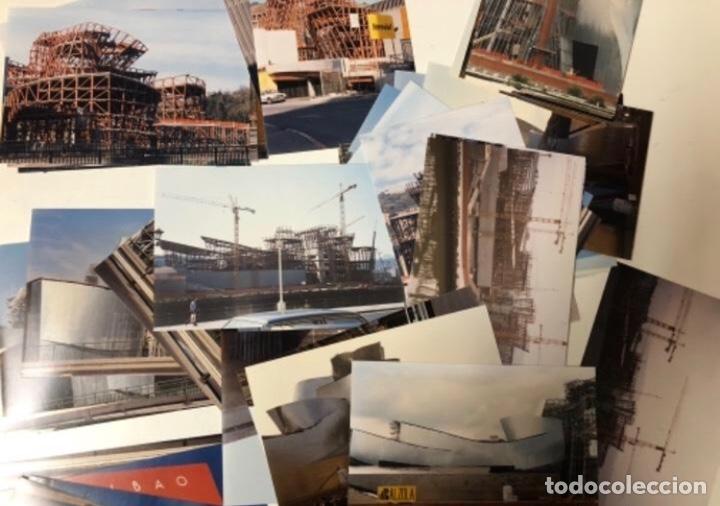 42 FOTOGRAFÍAS A COLOR DE LA CONSTRUCCIÓN DEL MUSEO GUGGENHEIM BILBAO. 10,50 X 15,50 CMS. (Fotografía - Artística)