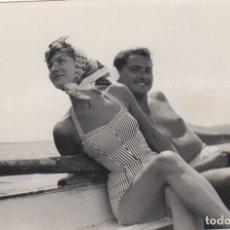 Fotografía antigua: FOTOGRAFIA - FOTO EROTICA ENAMORADOS EN POLLENSA MALLORCA 1958. Lote 178613096