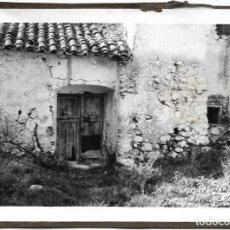 Fotografía antigua: == W616 - FOTOGRAFIA - PAISAJE - CASA DE PUEBLO. Lote 178623870