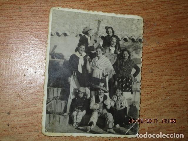 Fotografía antigua: alicante foto antigua fiestas banda musical o charanga 1942 - Foto 3 - 180296910