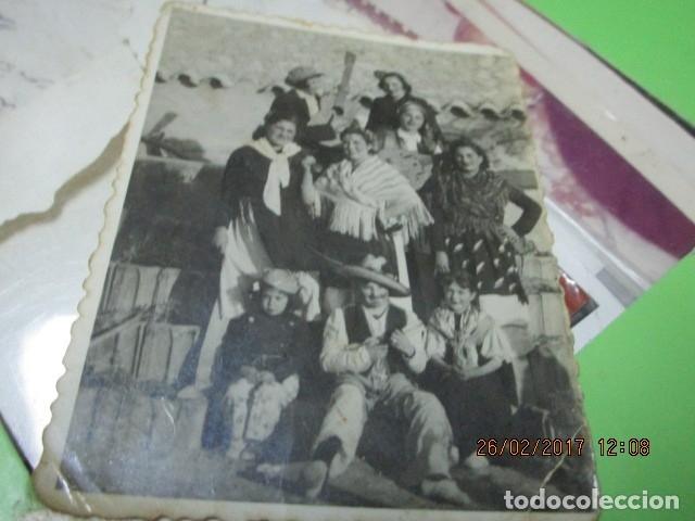 Fotografía antigua: alicante foto antigua fiestas banda musical o charanga 1942 - Foto 5 - 180296910